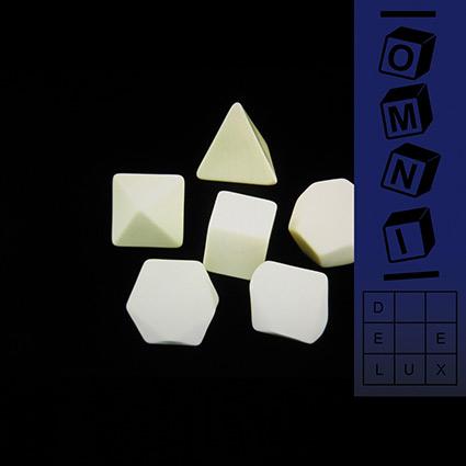 Omni 'Deluxe' recenseras - markering av tillhörighet och hågkomst