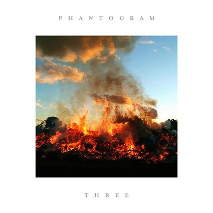 Phantogram 'Three' recenseras - fantastiskt med oförutsägbarheten