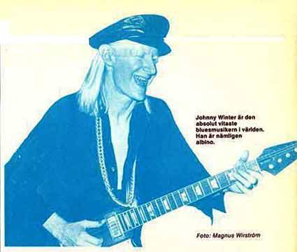 Johnny Winter spelar tätt inspirerat på Music Palais